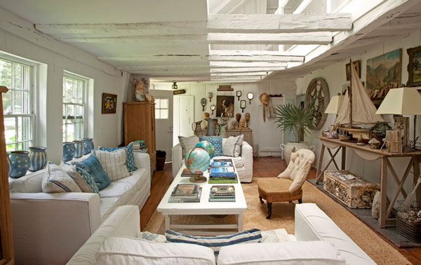 Bewitching Nautica Interior Ideas With Contemporary Furnishings Design : Cozy Beach Style Living Room With White Fabric Sofa