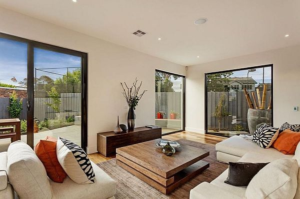 Classy Melbourne Home With Stunning Panorama : Cozy Living Room Decor