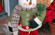 Inspirational Nice Christmas Decoration For Outdoor So Sparkling : Creative Christmas Decoration With Little Snowman Handle The Pine Cones