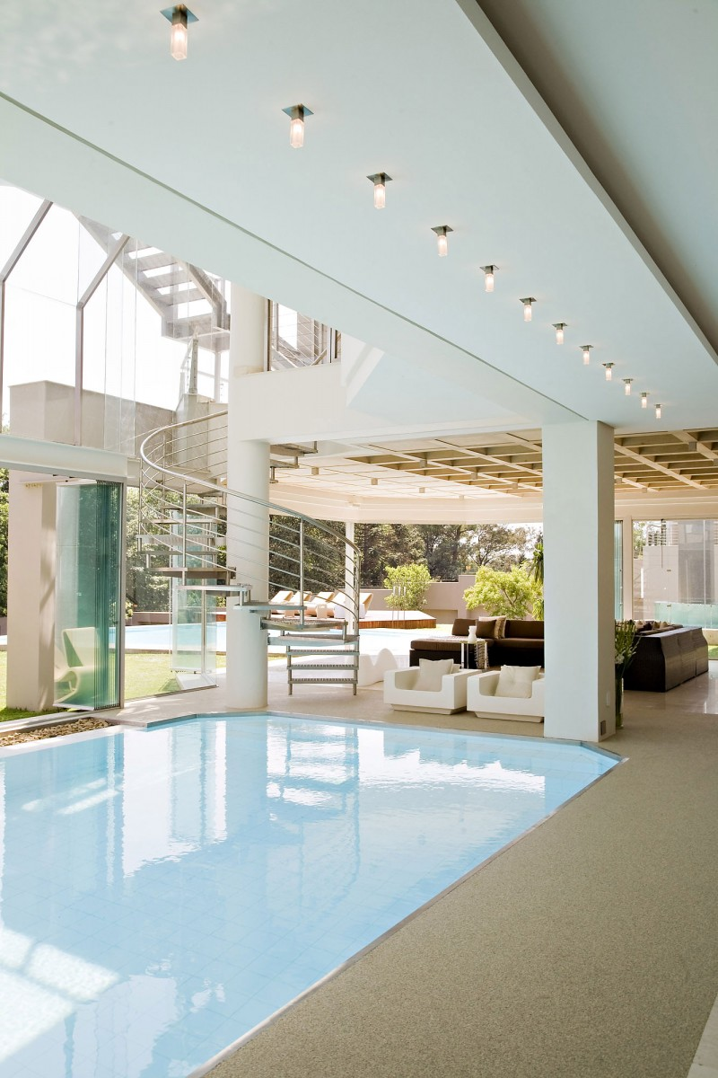 Beautiful Extra Luxurious Home In Your Mind: Curved Steel Stairs Next To Indoor Swimming Pool