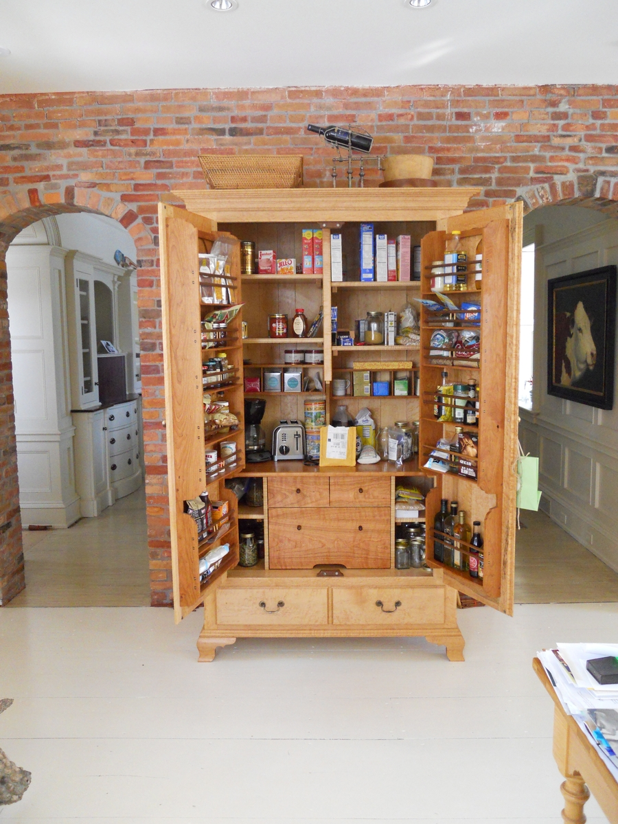Freestanding Pantry For Aesthetic Elegant Design: Custom Kitchen Pantry Cabinet