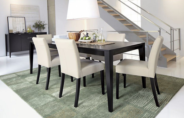 Make Your Dining Room Elegant With Expandable Dining Table : Dark Wooden Expandable Dining Table