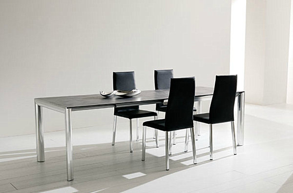 Make Your Dining Room Elegant With Expandable Dining Table: Dark Wooden Expandable Table With Metal Legs