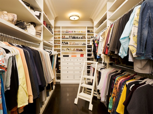 Simple Tips In Planning Walk In Closet Design: Dense But Cool Aisle Type Walk In Closet With Wardrobe Aside