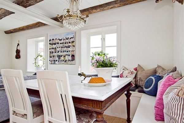 Dining Room In Casual Flair Furnished With Rustic Furniture: Dining Room Casual Classic