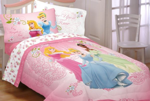 Sweet Princess Comforter With Smooth Comfortable Design : Disney Princesses Your Royal Grace Comforter For Girls Bedroom