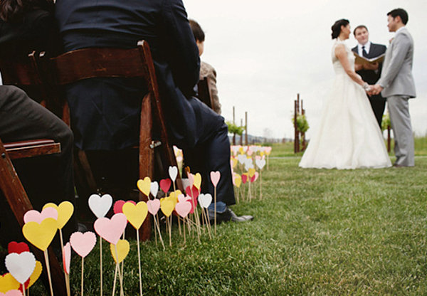 18 Ideas Of DIY Wedding Decorations For Spring: DIY Paper Heart Project