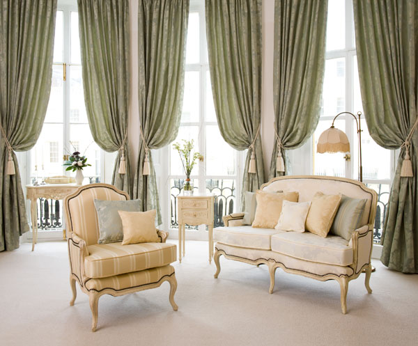 Stunning Curtain Ideas For Large Windows As Your Attractive Enhancement: Drapery Ideas For Large Window