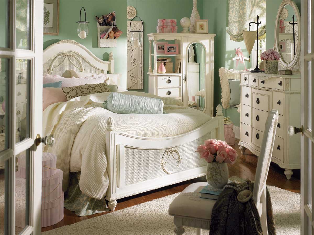 Classic Vintage Bedroom Ideas With Oval Mirror: Eclectic Interior Design For Best Vintage Bedroom Ideas Unit