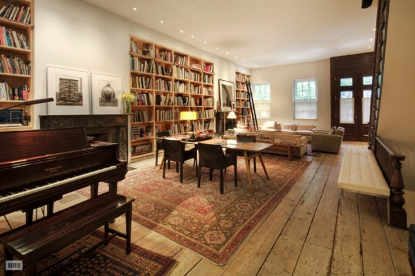 Warmth Homey Apartment In The Big Apple: Eclectic Living Room New York Home For Sale Interior