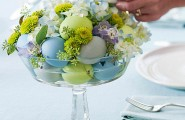 Easter Floral Displays: 11 Visual Ideas : Egg And Flower Centerpiece