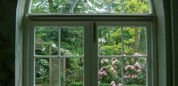 Arched Window Ideas And Designs : Elegant Green Arched Window