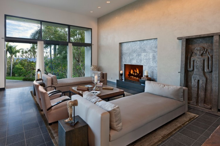 Wonderful Bay Residence Interior Using Luxurious Interior With Traditional And Modern Elements: Elegant Living Room Design In The Buena Vista Drive