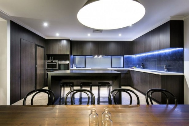 Amazing Minimalist Residence With A Sizzling Courtyard: Ergonomic Kitchen With A Dark And Moody Look With Modern Decoration ~ stevenwardhair.com Apartments Inspiration
