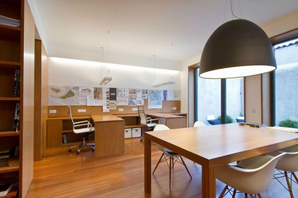 Stunning Classic Modern Interior Drives People Staying Here Cozily: Ergonomic Workstations For The Architecture Studio