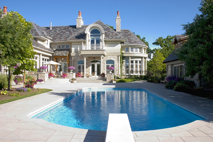 Stunning Mansions With Pools Which Can Produce Relaxing Atmosphere : Exterior Mansion Pool Design