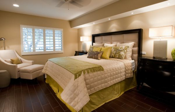 Pillow Scheme Idea To Beautify Your Space Design: Fabric Accents Complement Throw Pillows Prefectly In The Bedroom