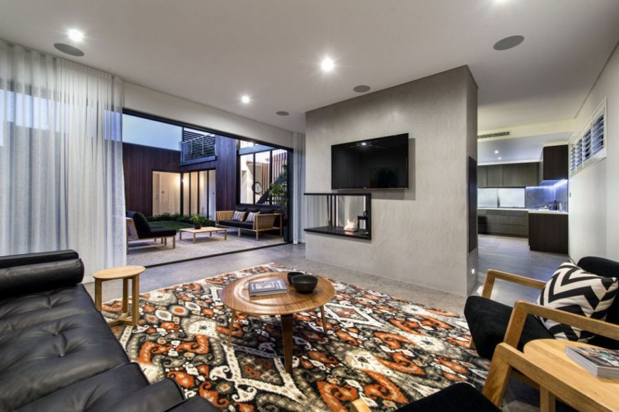 Amazing Minimalist Residence With A Sizzling Courtyard : Fabulous Living Area Of The Lower Level Connected With The Courtyard With Modern Style