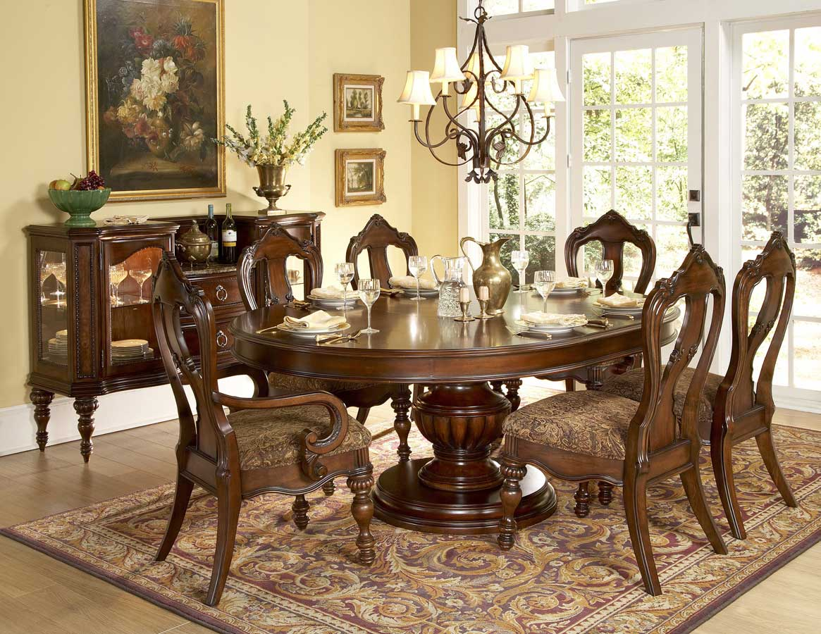 Attractive Round Table Dining Set In Both Modern And Classic Flairs: Fabulous Luxury Round Table Dining Set Wooden Style Design Ideas