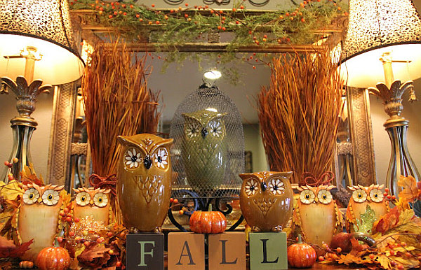 Rich Autumn Decor For The Merry Of Your Home Bring The Cheer In : Fall Colors Tied Into Your Decor
