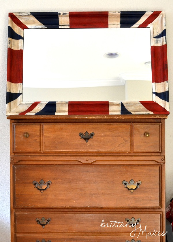 Fabulous Diy Decor Inspirations You Can Do By Yourself: Fancy Traditional Union Jack Mirror On Wooden Chest Of Drawers