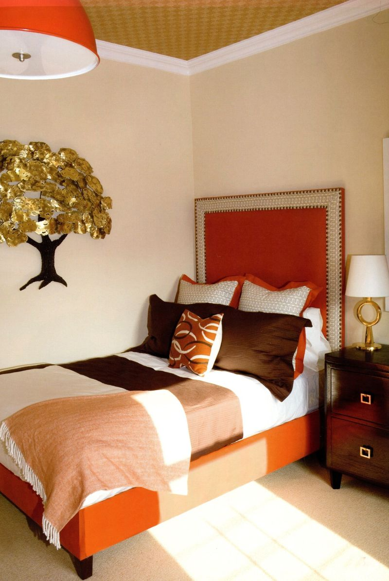Contemporary Drapes, Too Good To Be True: Fantastic Feng Shui Bedroom With Wall Decoration