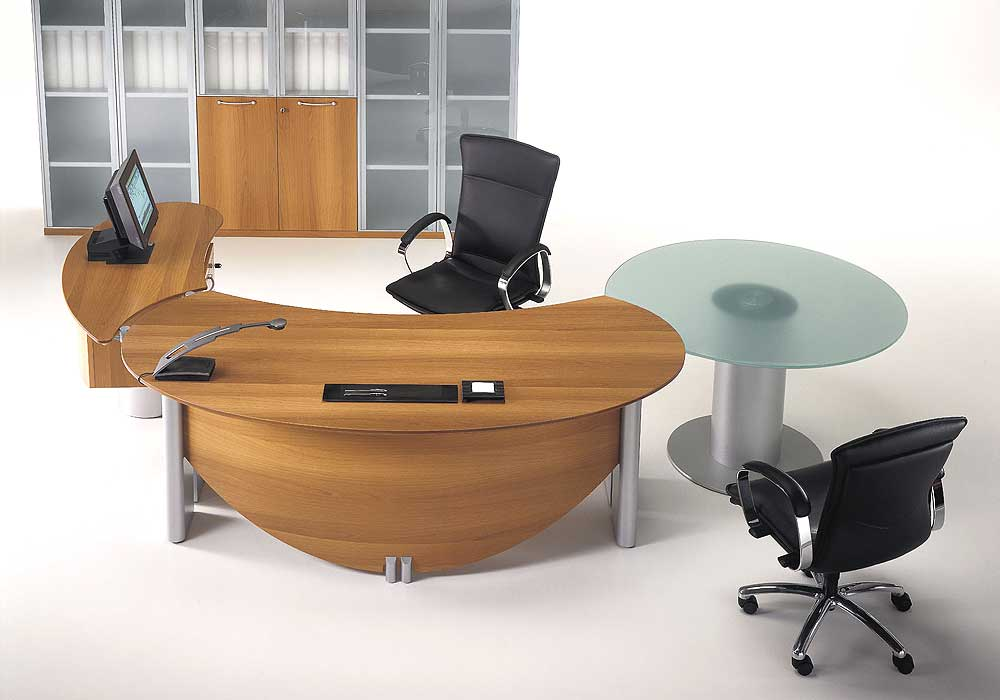 Sleek Modern Office Furniture Makes Stylish And Cool Office Atmosphere: Fantastic Wooden Accents Desk Modern Office Furniture Black Chairs