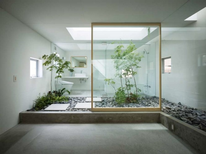 Perfect Courtyard Design For Our House : Fascinating Indoor Garden Woodframe Slide Glass Door Interior Courtyard Design