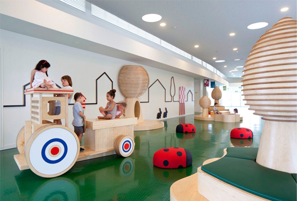 Fun Kids Space With Large Space: Fascinating Kids Playground Decor With Green Floor And Wooden Storage