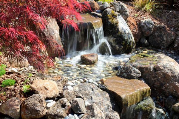 28 Fascinating Japanese Garden Design Ideas: Flowing Waterfalls Perfect For A Vibrant Japanese Garden