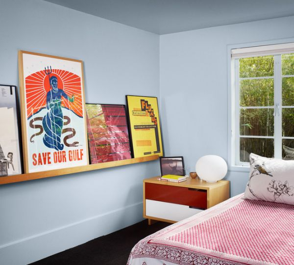 Simple Modern Design Inspiration For Your Home: Frame Those Posters And Line Them Up On A Floating Shelf For Uniqueness