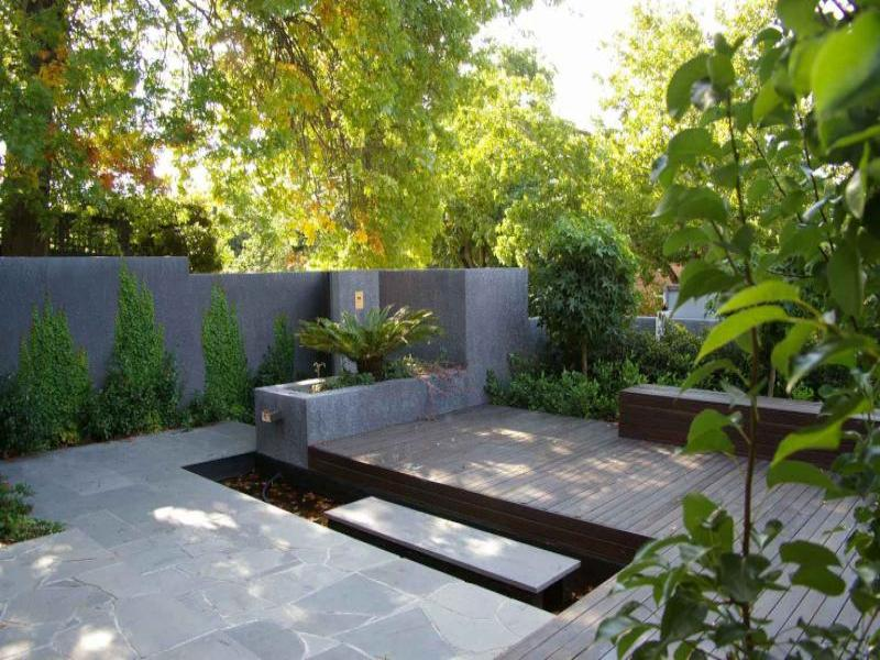 Fascinating Modern Garden Furniture Ideas Present Cozy Garden Design: Fresh Greenery Modern Garden Furniture Ideas Permanent Flower Bed