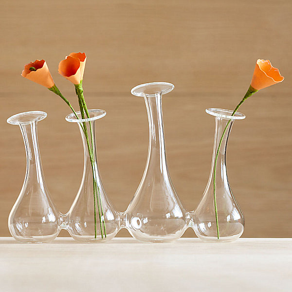 Easter Furnishing For Welcoming Prettiness Of The Spring: 21 Striking Images: Glass Bud Vase System
