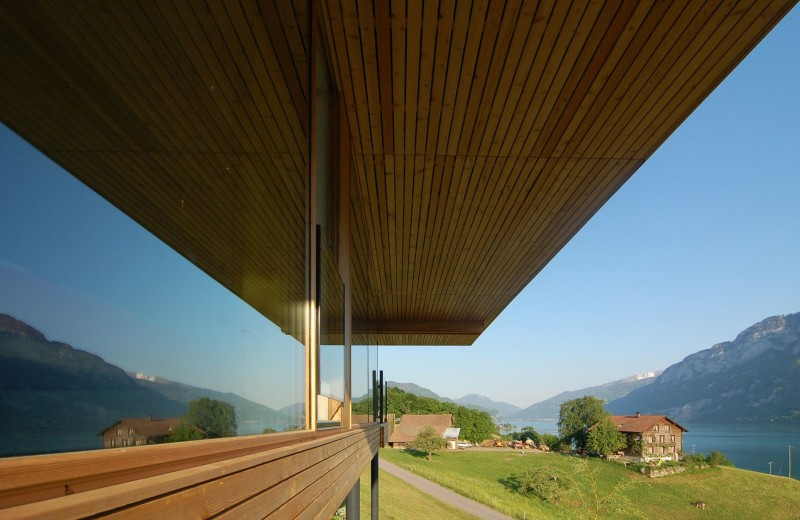 Extraordinary Minimalist Wood House Around Natural Environment: Glazed Home Wall With Outstanding View