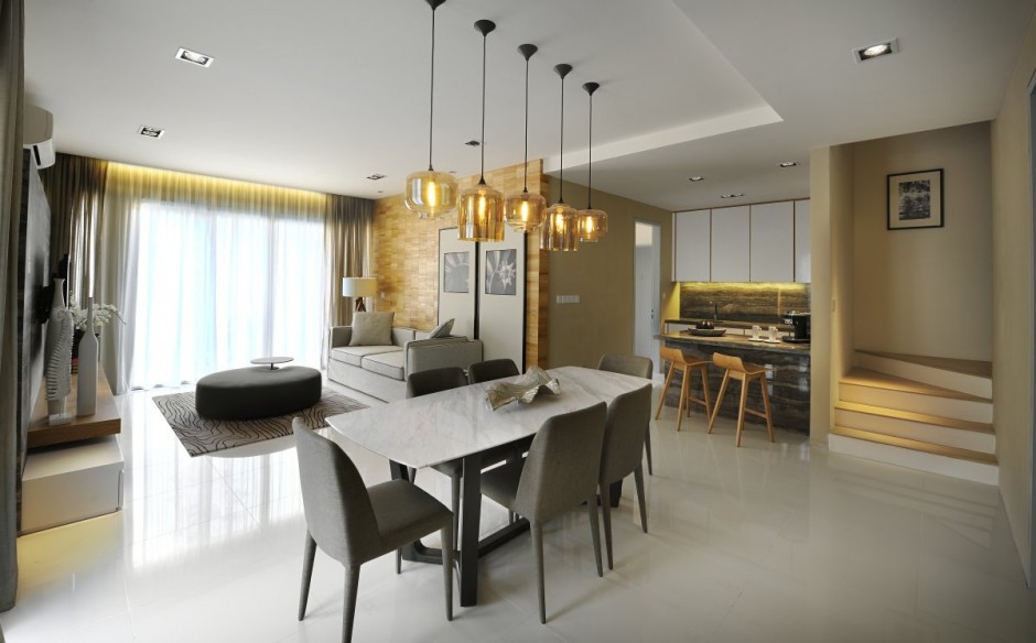 Gorgeous Contemporary Interior Completed Your Home With Nature`s Touch : Golden Accents Dining Area