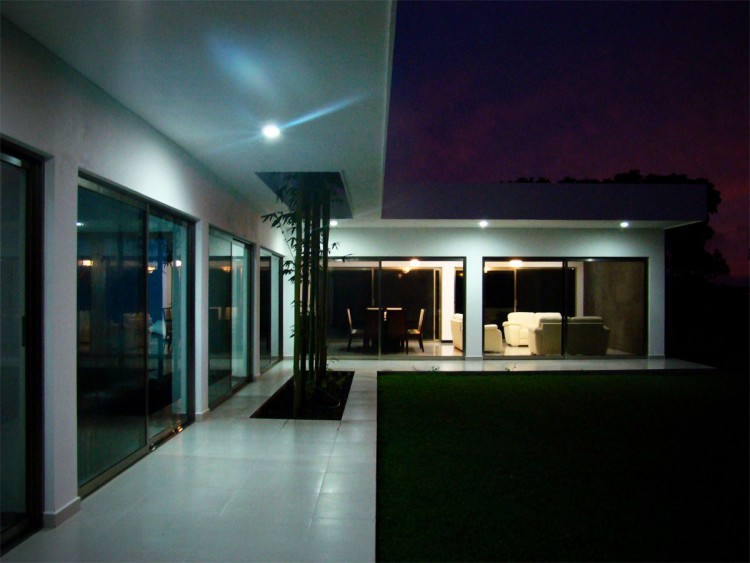 Wonderful Contemporary House Design In Single Story House : Good View Of Interior Design At Casa Ponce Modern House
