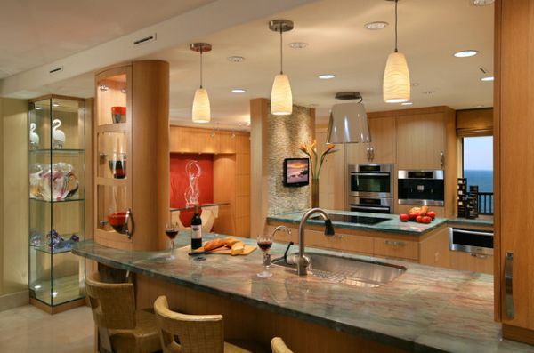 Doing Up Your Kitchen With Astounding Hanging Pendant Lights: 55 Inspiring Images : Gorgeous Modern Kitchen With Beautiful Use Of Pendant Lights