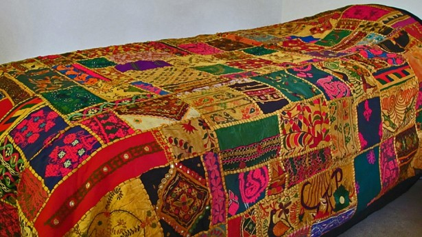 Ethnic Moroccan Bedspread Delivers More Alive And Cheerful Nuance: Gorgeous Moroccan Bedspread Design Artistic Floral Decorative Ideas ~ stevenwardhair.com Bedroom Design Inspiration