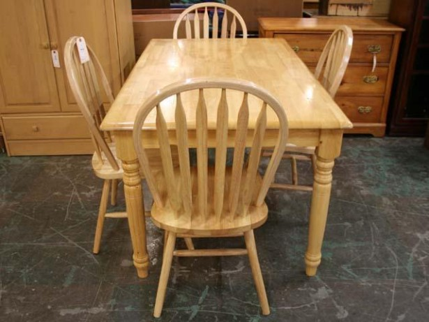 Powerful Oak Kitchen Tables Feature Several Models: Gorgeous Oak Kitchen Tables Classic Pattern Hard Wood Design ~ stevenwardhair.com Kitchen Designs Inspiration