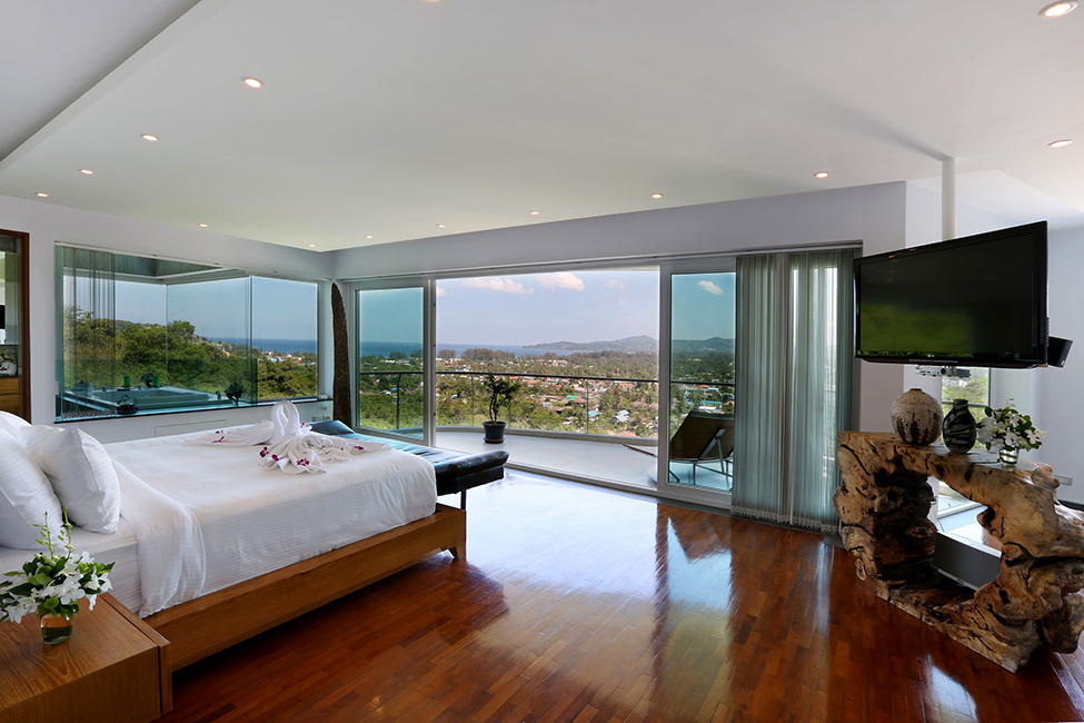 Awesome View Of Natural Villa In Phuket : Gorgeous Villa Beyond Bedroom Interior With Modern Decoration Ideas