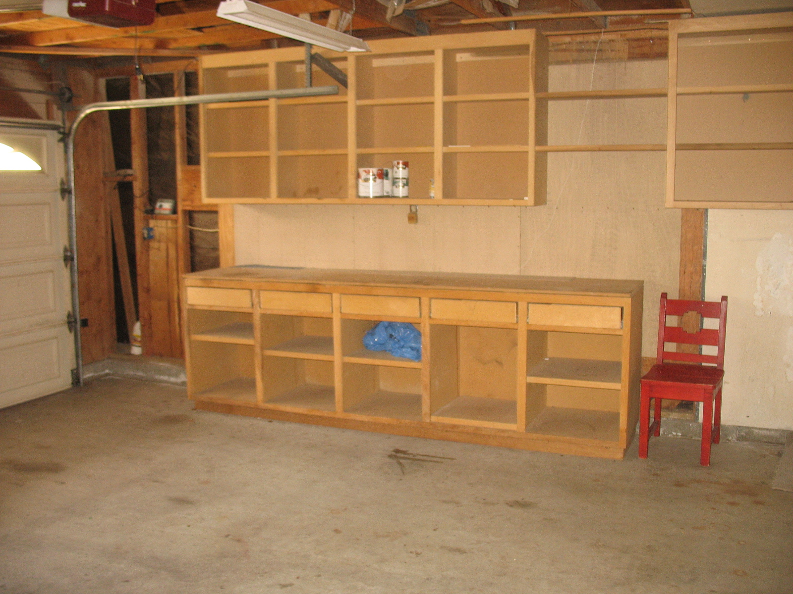 Garage Workbench Is A Good Way To Save Your Tools : Gorgeous Wooden Style Garage Workbench Storage Orgazation DEsign