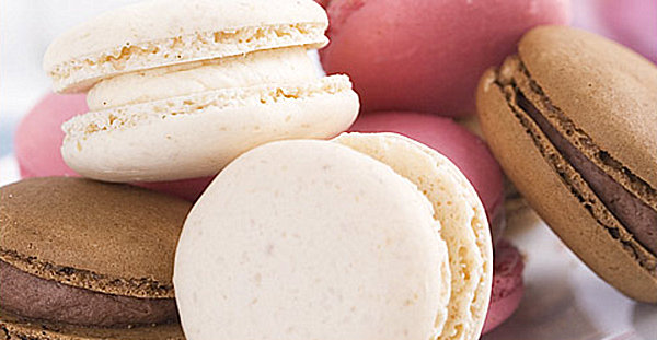 Beautiful Mother`s Day Gift Bring The Warmth To The Heart : Gourmet Macarons For Mothers Day