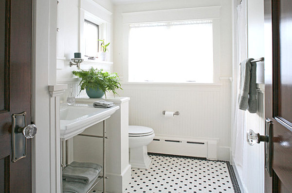 Tidy Small Bathroom Inspiration For Small Spaced House: Green Fern In A Crisp White Bathroom