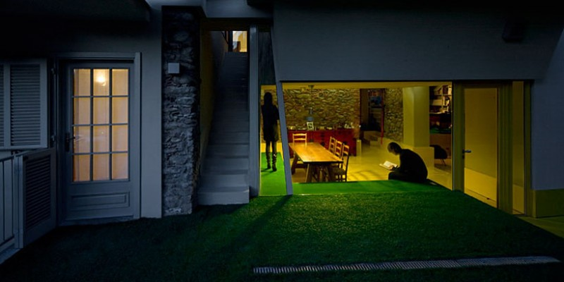 Luxurious Minimalist Contemporary House : Green Grass In Outside With Green Floor Combined With Yellow