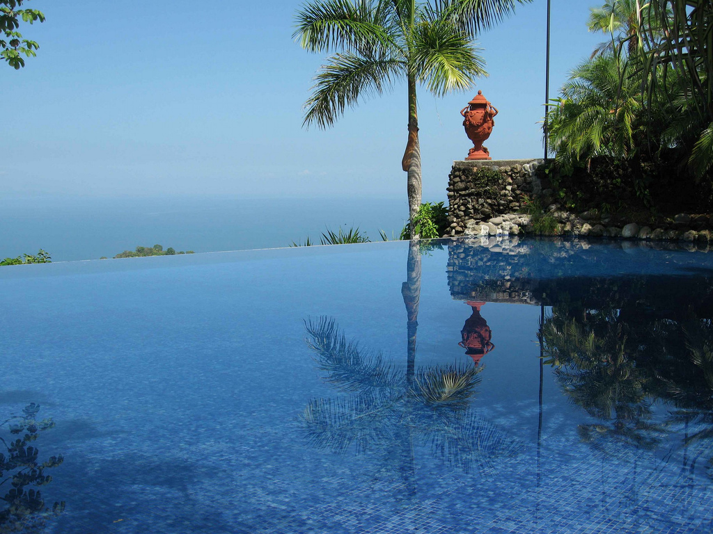 Coolest Infinity Pools, They Are Unusual : Infinity Pool At Villas Caletas