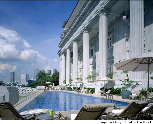 True Enjoyment In Excellent Hotels With Infinity Pools : Infinity Pool The Fullerton Hotel Singapore