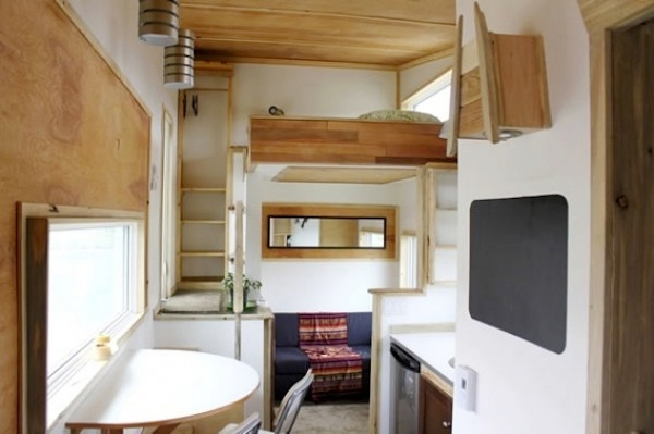 18 Pictures Of Unique Houses On Wheels : Interior Of Leaf House On Wheels