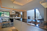 Awesome Luxurious House Interior Furnished With High Class Furniture : Kitchen With Dining Table