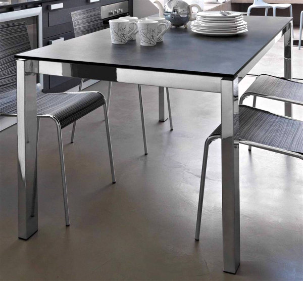 Dining Table Of Wood Present Elegant And Calm Look : Laminate Wooden Expandable Table