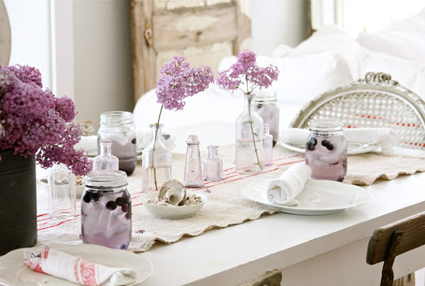 Bright Spring Party: 20 Lively Ideas: Lavender Table Setting